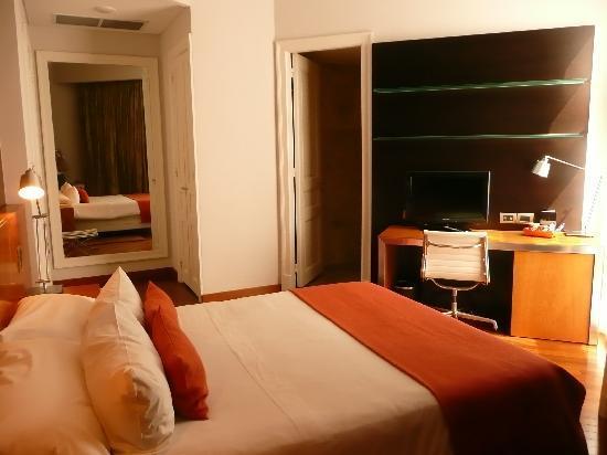 725 Continental Hotel: Habitación