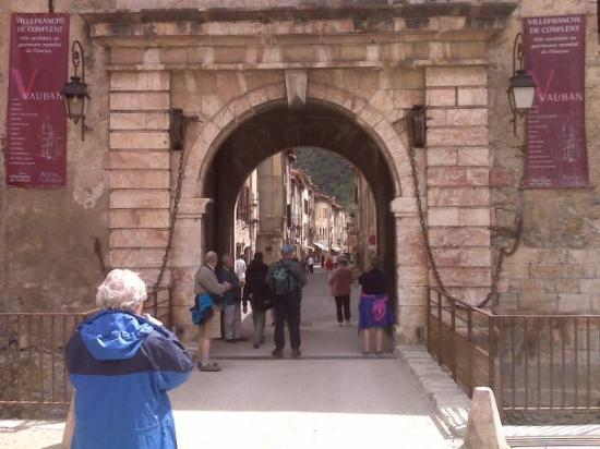Villefranche-de-Conflent, Frankrike: Entrance to the walled town of villefranche