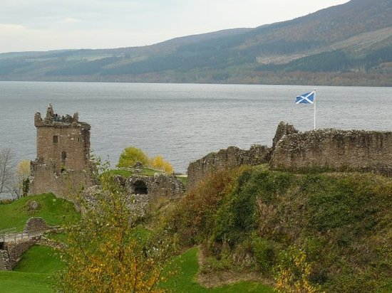 หมู่บ้าน Invermoriston, UK: Urquhart Castle, Lochness