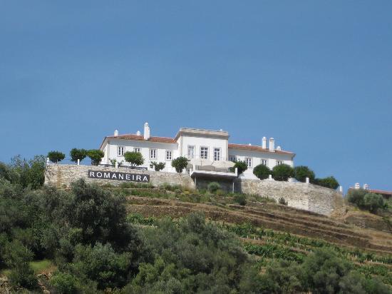 Romaneira - Quinta dos Sonhos : Romaneira from the river