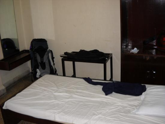 Hotel Lawrence : Clean, simple rooms