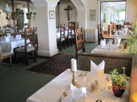 Hollweger: Dining room