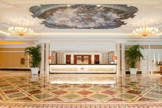 L'Arc Hotel Macau: L'Arc Front Lobby