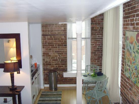 Stemmerman's Inn: living room