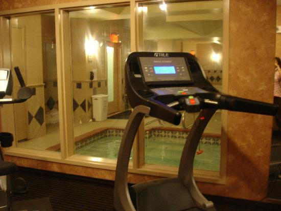 Comfort Suites Smyrna: fitness center/spa
