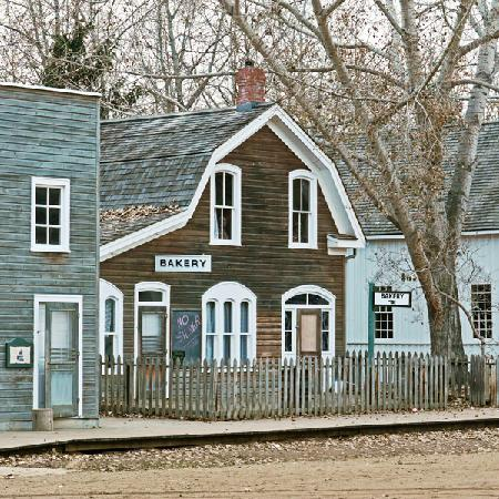 Hotel Selkirk: Fort Edmonton Park - Living History Museum