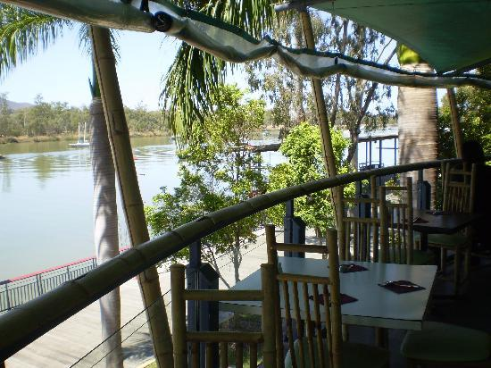 Athelstane House: Lunch at Asian Restaurant on river
