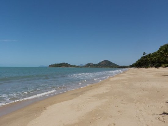 ‪Palm Cove Beach‬