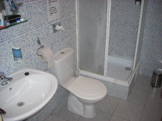 City Hostel : Bagno in camera: pulitissimo!