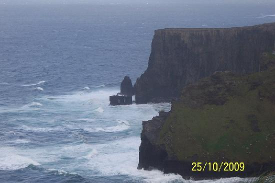 Atlantic View Cottages: Cliffs of Moher