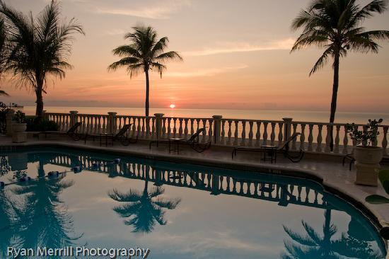 Sea Lord Hotel & Suites : Sunrise