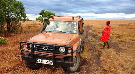Mara Leisure Camp : le land rover