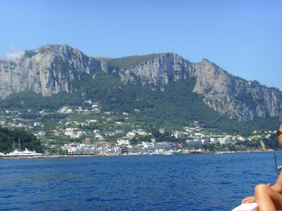 Blaue Grotte (Grotta Azzurra): Capri  - trip around the island II