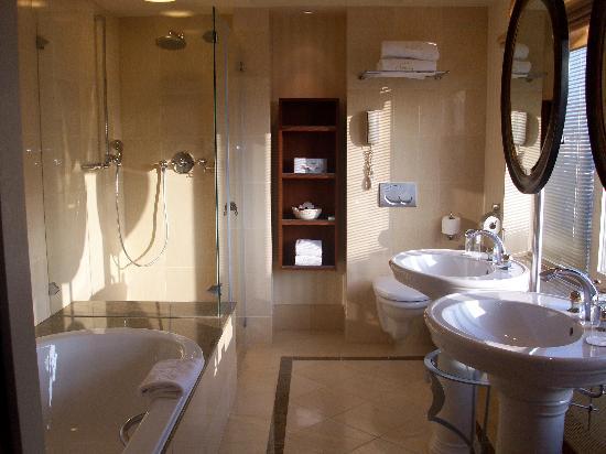 Hotel Okura Amsterdam : salle de bain2