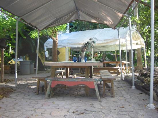 Everglades International Hostel