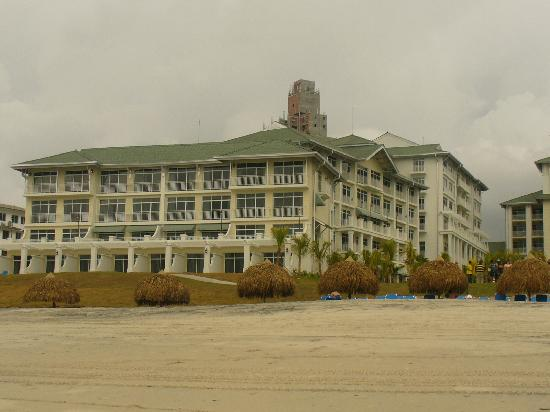 Santa Clara, Panamá: View of the hotel from the beach