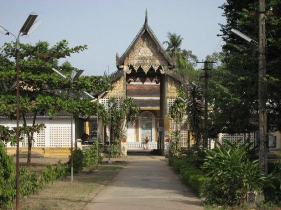 Battambang, Kamboçya: Wat in Battenbang