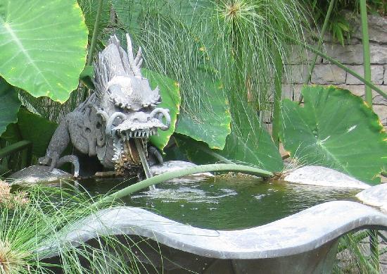 Giardini Botanici Hanbury: fountain gargoyle