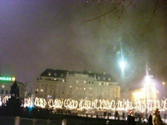 Hotel D'Angleterre: HOTEL D ANGLETERRE SOUS LES FEUX