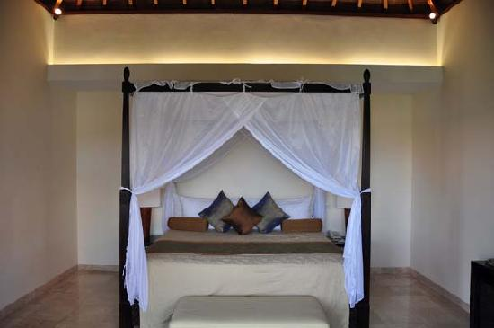 Asri Jewel Villas & Spa: the upstairs bedroom