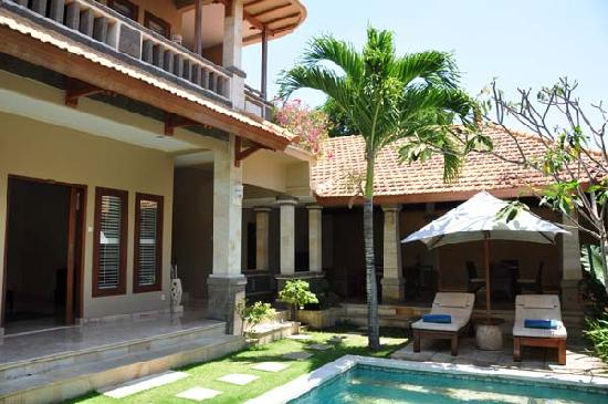 Asri Jewel Villas & Spa: our own private pool and outside area