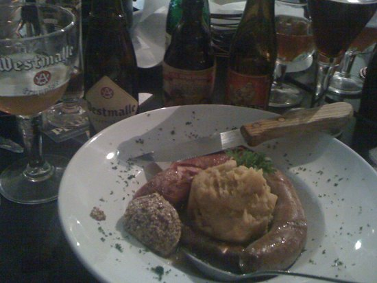 Cafe Bruges: Stoemp and trio of sausages