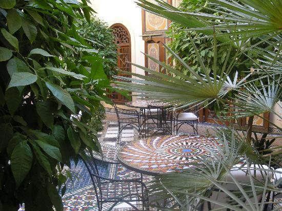 Riyad Al Moussika: The Courtyard Breakfast & Lunch