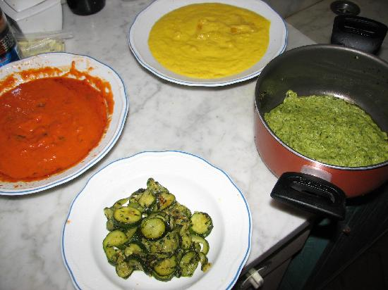 La Limonaia: Different sauces we made