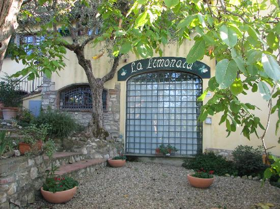 La Limonaia: Entrance