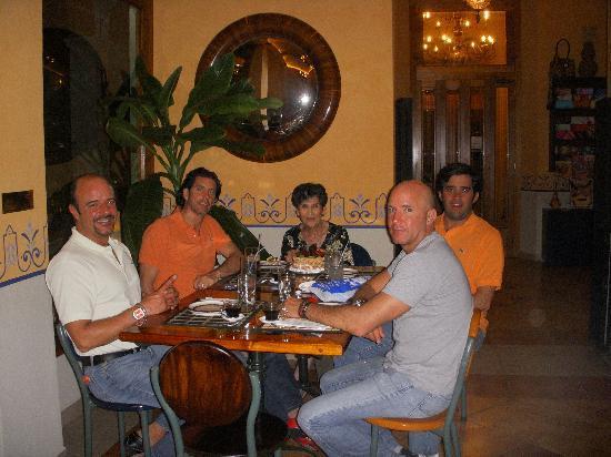 Hotel Casa San Angel: ARTURO & FRIENDS WITH HOMY