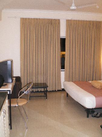 Grand Hotel Agra : Bedroom view