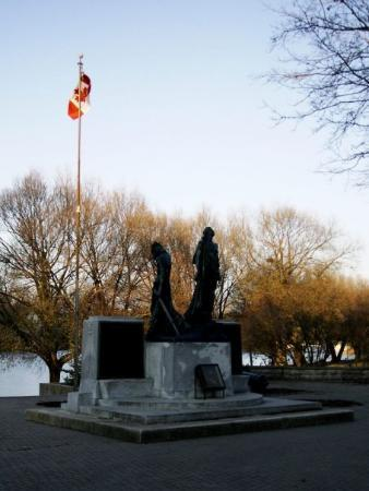 Stratford, Kanada: Lest We Forget. (Nov 8 09)