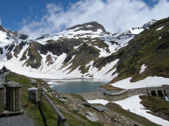 A small lake by the Grossglockner Road