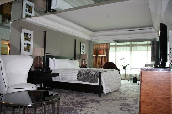 Junior Suite - Bed