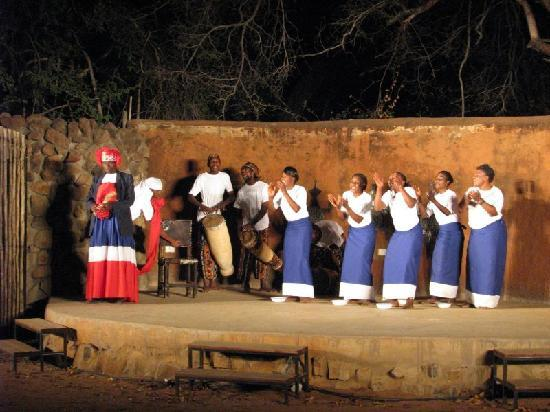 AVANI Victoria Falls Resort: Bemba Tribe Dances