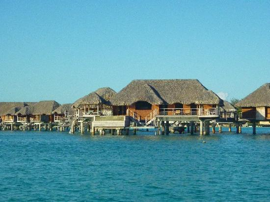 Four Seasons Resort Bora-Bora : Our bungalow at end of pontoon