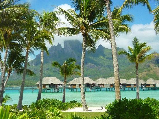 Four Seasons Resort Bora Bora: Resort