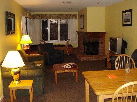 Laconia, NH: Living room