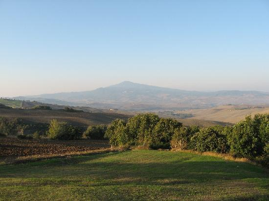 Monticchiello, อิตาลี: The view of Mt. Amitia