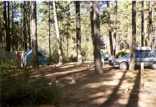 Wizard Falls Fish Hatchery: Camping at Smiling River Campground