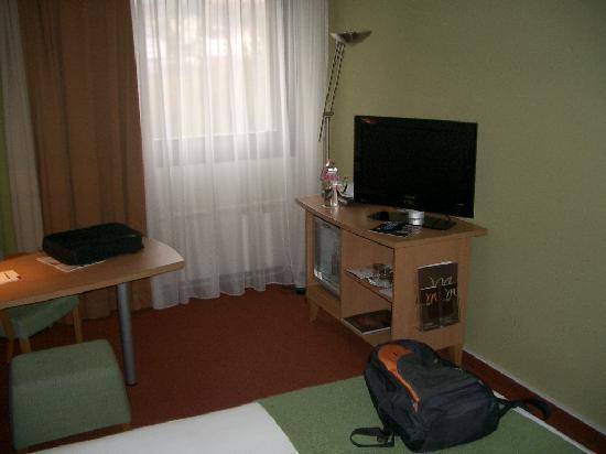 Mercure Budapest Buda: Room 3