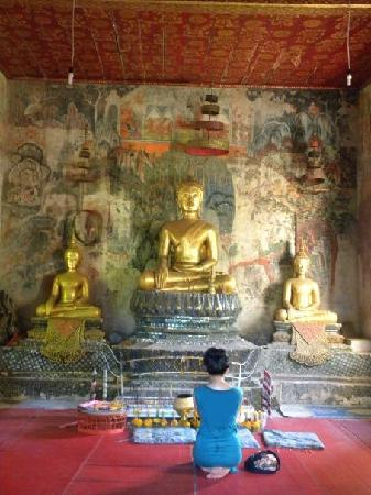 Villa Senesouk : phousi hill temple