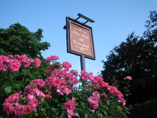 The Inn at Grinshill: The setting is pretty and peaceful yet buzzes happily early evening with just the right amount o