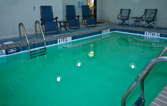 Sleep Inn & Suites: Enjoy the indoor pool