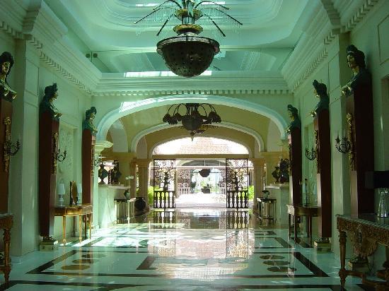 Iberostar Grand Hotel Bavaro: Gorgeous hotel lobby