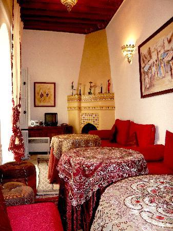 Riad Dollar Des Sables: Salle à manger marocain-dinning room