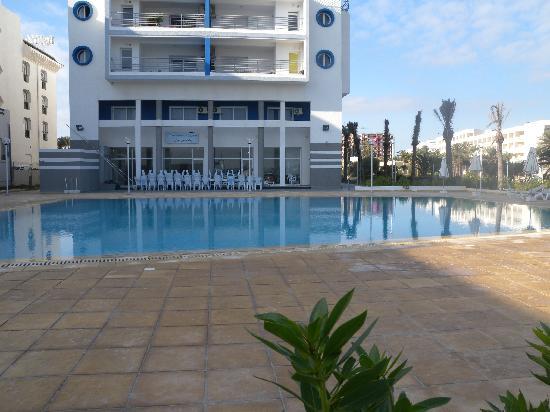 Le Monaco Residence Hotel & Spa : swimming pool - off season