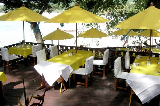 Bella Vista Restaurant: Deck over Kata Beach