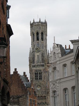 Walwyck Hotel Brugge: Belfry Tower close to hotel