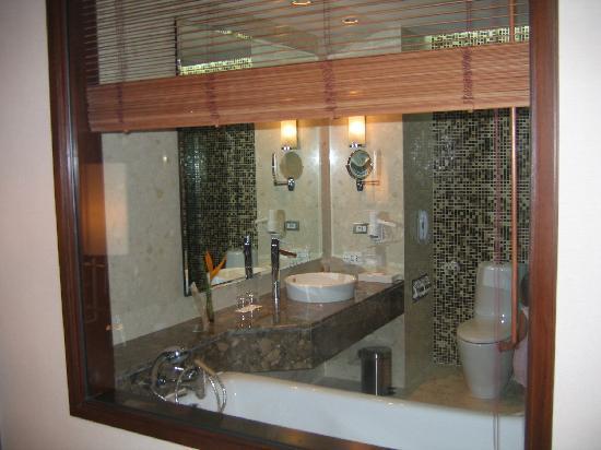 โนโวเทล แบงคอค สุวรรณภูมิ แอร์พอร์ท: Beautiful bathroom